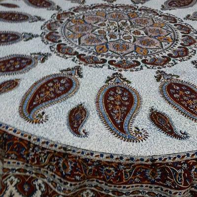 رومیزی گرد قلمکار سنتی