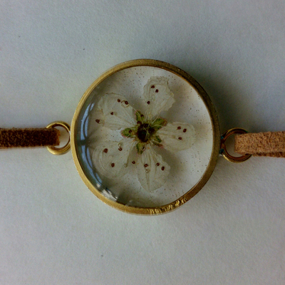 دستبند شکوفه سفید