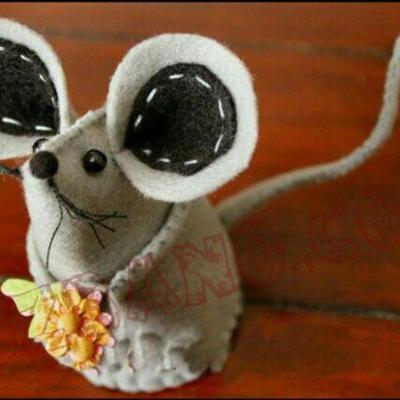 عروسک ایستاده موش