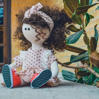 عروسک دستساز هلیا