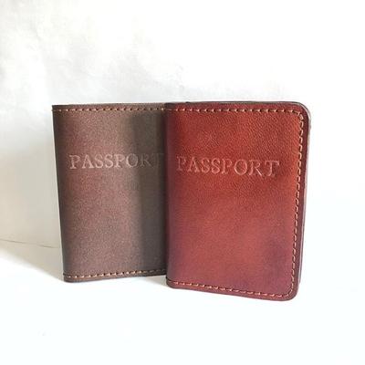 کیف پاسپورت دستدوز چرمی