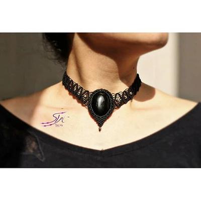 گردنبند بافت با سنگ عقیق سیاه