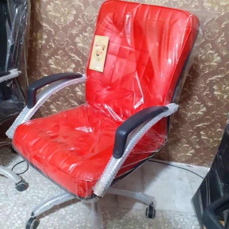 صندلی اداری اسایش قرمز