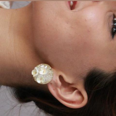 گوشواره دکمه ای شکوفه