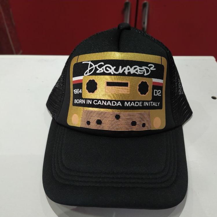 کلاه تابستانی دسگوارد dsquared