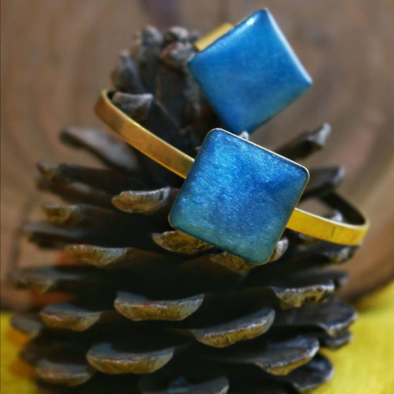 ست دستبند و انگشتر رزین شبتاب