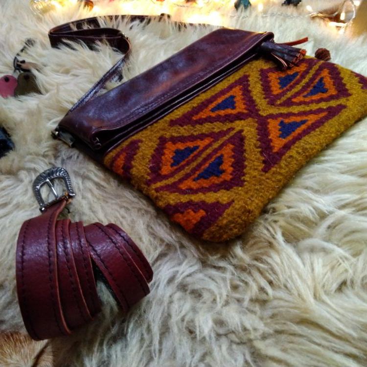 کیف چرم گلیمی سنتی چرم آدلیا