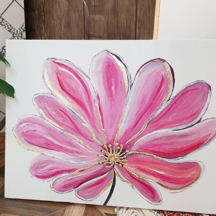 تابلوی گلبرگ صورتی