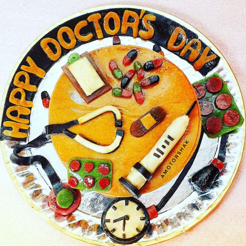 کیک شکم پر دکتر
