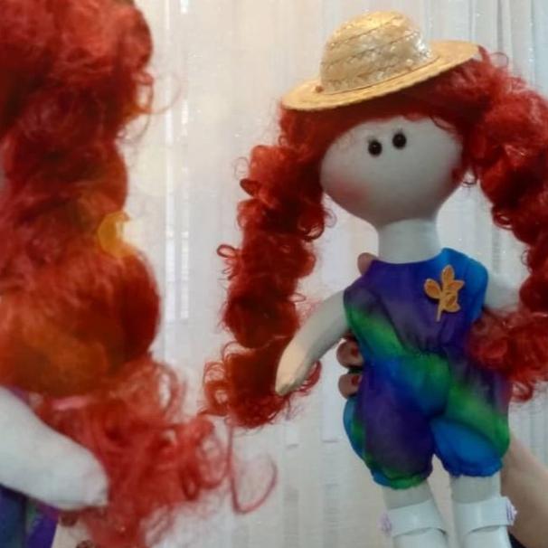 عروسک دستساز ارغوان