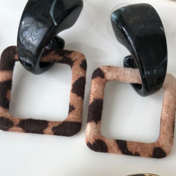 گوشواره پلنگی مربعی